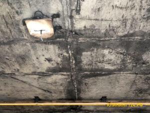 Предварительный результат чистки стены после сажи от огня